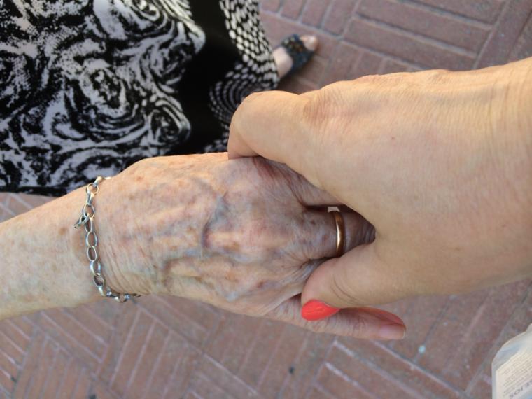 manos-mama-recurso